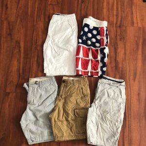 5 pairs of men's shorts size 30 hollister guess